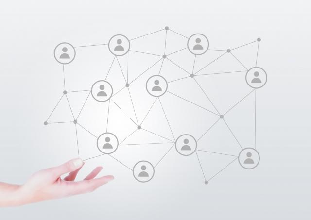 オンラインでもオフラインでも、チーム作りにはまず信頼関係の構築が最重要事項です。
